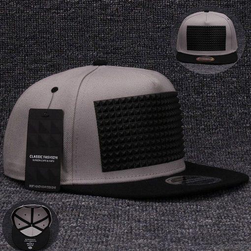 plein-de-gadget-casquette-snapback-pyramide-flex-gris-noir