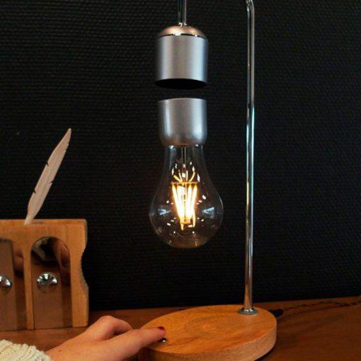 plein-de-gadget-lampe-anti-gravite-details-4